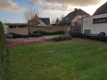 TuinOntwerpBureau De Keyser - Realisaties - Klassieke tuin met groenmassieven - Adegem