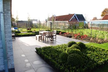 TuinOntwerpBureau De Keyser - Realisaties -Moderne voortuin - Zomergem